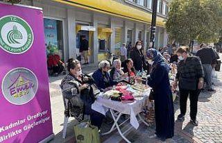 Edirne'de üretim mekanı kapanan kadınlar işlerini...