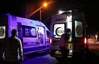 Kocaeli'de otomobil park halindeki tankere çarptı:...