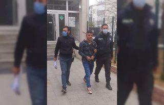 Edirne'de dükkandan çanta ve para çalan hırsızlık...