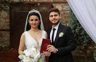 Edirne'de Rumeli ve Balkan düğünlerinin anlatıldığı...