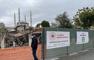 Selimiye Meydanı düzenleme çalışmalarında dükkanların...