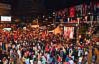 Demokrasi nöbetinde Erdoğan'a alkış yağmuru