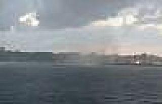 Denizin ortasında hortumla karşı karşıya kaldılar