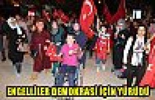 Engelliler demokrasi için yürüdü