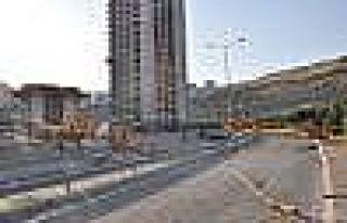 İzmir'de Vinç Faciası: 2 Ölü, 3 Yaralı