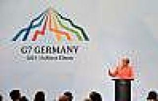 """Merkel: """"Kırım'ın Gasp Edilmesini Oy Birliği..."""