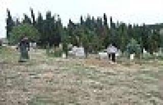 Mezarlıklar Bayrama Hazırlanıyor!