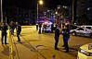 Polis Aracıyla Motosiklet Çarpıştı: 1 Ölü,...
