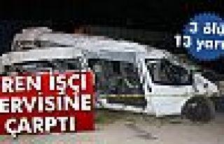 Tren işçi servisine çarptı: 3 ölü, 13 yaralı