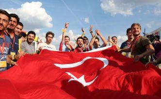 marathon Avrupa'da Uludağ Üniversitesi Takımı birinci oldu