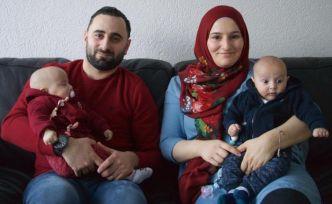 Fanatik Trabzonsporlu gurbetçi ikizlerine 'Bordo' ve 'Mavi' adını verdi
