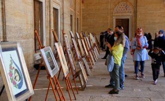Asırlık el sanatının temsilcisi kadınların Edirnekari eserleri Selimiye'de sergileniyor