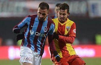 Trabzonspor, Zeki Yavru ile bir yıllık sözleşme imzaladı