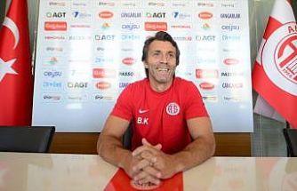 Antalyaspor teknik direktörü Korkmaz: Sivasspor maçını kazanırsak daha iyi olacağız