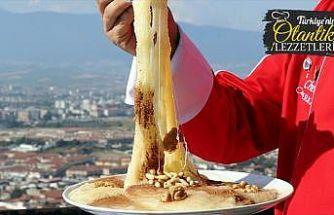 Künefe kentinin alternatif tatlısı: Peynirli irmik helvası