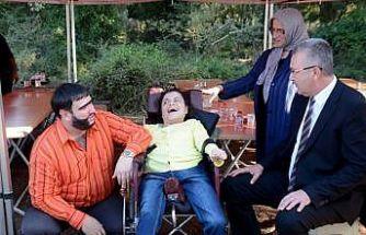 Şahan Gökbakar engelli hayranıyla buluştu