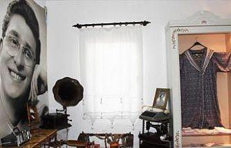 'Sanat Güneşi'nin özel eşyaları ziyaretçilerini duygulandırıyor