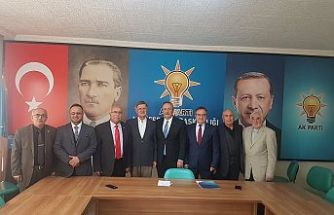 Alpaslan Yıldız'ı Nülifer Belediye Başkanlığı Aday adaylıgını açıkladı.