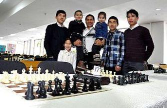 Kırgızistan'ın 'mat' olmayan ailesi