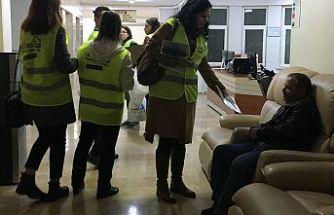 lösev Hastanede Yatan Hastaları yalnız Bırakmıyor
