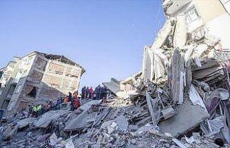 Bakan Turhan: Deprem bölgesinde ulaşımı engelleyecek bir durum söz konusu değil