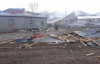 Bursa'da kuvvetli rüzgar etkili oldu