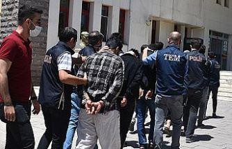 DEAŞ operasyonunda yakalanan 4 zanlı adli kontrolle serbest bırakıldı