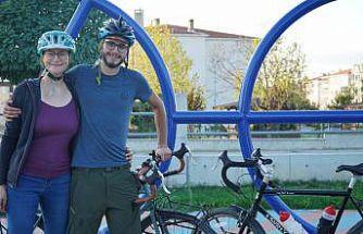 İsviçre'den bisikletle yola çıkan iki turist Kırklareli'ne ulaştı