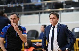 TOFAŞ Başantrenörü Orhun Ene görevi bırakma kararı aldı
