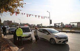 Karantinada olması gereken kadın sürücü trafik denetiminde yakalandı