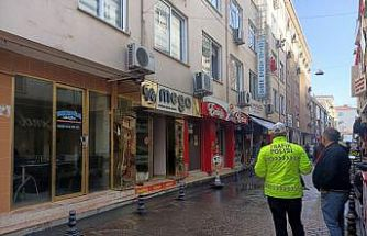 Yalova'da iş yerine yönelik silahlı saldırı kameraya yansıdı