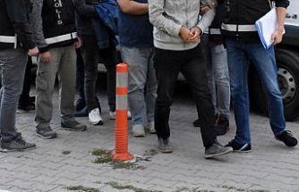 İzmir merkezli 39 ilde FETÖ'nün TSK yapılanmasına operasyon: 63 gözaltı