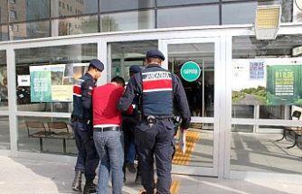 Suçüstü yakalanan 2 hırsızlık şüphelisi tutuklandı