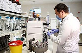 Türk araştırmacı keçi sütünden Kovid-19'a karşı ilaç adayı moleküller geliştiriyor