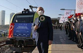 Türkiye'den Çin'e gidecek ilk ihracat treni İstanbul'dan uğurlandı
