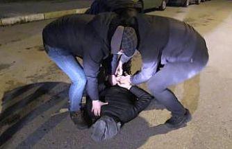 Balıkesir'de telefonla dolandırıcılık yaptıkları belirlenen 2 şüpheli yakalandı