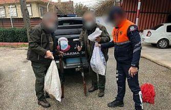 Uluabat Gölü'nde kaçak avlanan 2 kişi kovalamaca sonucu yakalandı