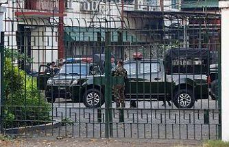 Myanmar ordusu, yönetime el koydu!