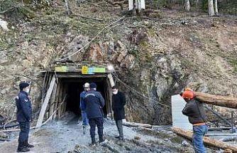 GÜNCELLEME - Çanakkale'de maden ocağında meydana gelen göçükte bir işçi mahsur kaldı