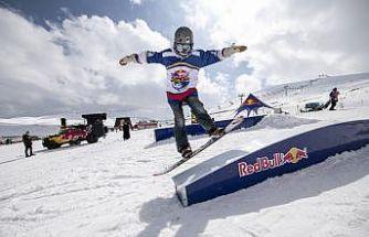 Snowboard tutkunları için Red Bull Athlete Zone Erciyes'te yapıldı