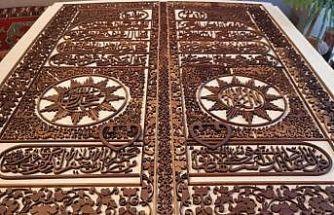 Kocaeli'de naht sanatkarı Kabe'nin altın kapısını tabloya nakşetti