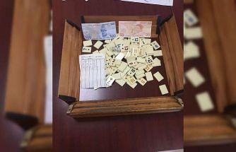 Kocaeli'de kumar oynayan ve Kovid-19 tedbirlerini ihlal eden 24 kişiye para cezası verildi