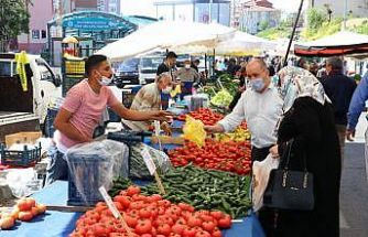 Trakya'da vatandaşlar Kovid-19 tedbirleriyle pazarlara alınıyor