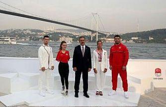 """""""Tokyo 2020 Team Türkiye Koleksiyonu""""nun tanıtımı, Bakan Kasapoğlu'nun katılımıyla yapıldı"""