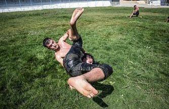 Balıkesir'de güreşecek Kurtdereli Mehmet Pehlivan'ın torunları, altın kemer için kıyasıya çalışıyor