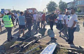 Sakarya'da iki otomobil çarpıştı: 1 ölü, 4 yaralı