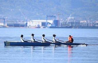 İzmit Körfezi'nde deniz küreği yarışları başladı