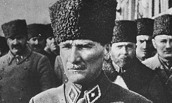 Büyük Önder Atatürk'ün ebediyete intikalinin 82'nci yılı