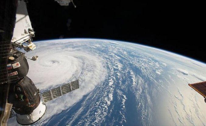 Rus kozmonotlar uzay aracındaki deliği inceleyecek