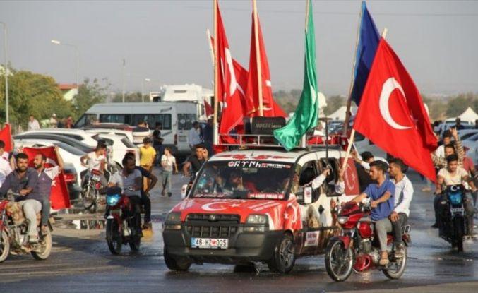 Tel Abyad'ın teröristlerden kurtarılması Akçakale'de sevinçle karşılandı
